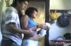Stiekem gefilmt amateurs neuken in de keuken