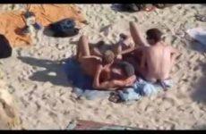 Gluurder filmt homos op het strand